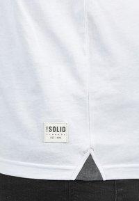 Solid - Print T-shirt - light gray - 4
