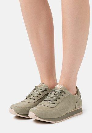 Sneakers laag - pistacchio