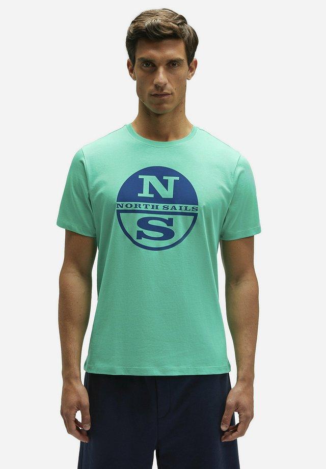 T-shirt imprimé - green 0409