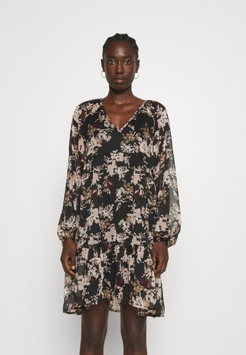 VMFRIDA V NECK SHORT DRESS - Vestito estivo - black