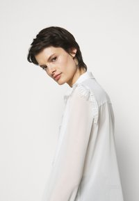 Bruuns Bazaar - VANNES MARIS - Blouse - white - 3