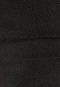 Bershka - MIT HOHEM BUND - Jeggings - black - 5