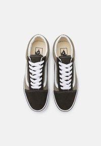 Vans - OLD SKOOL UNISEX - Sneakers - seneca rock/black olive - 3