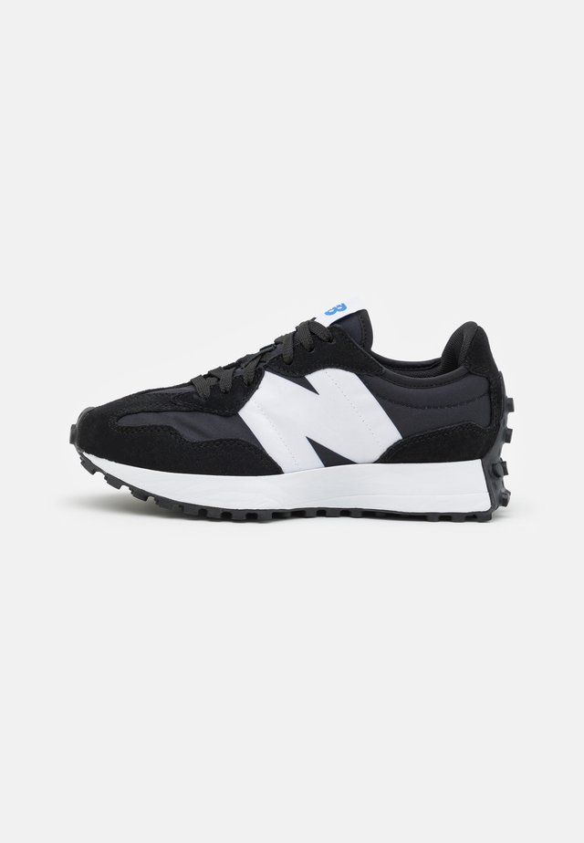 MS327 - Trainers - black