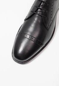 Jacamo - TOE CAP DERBY SHOE - Smart lace-ups - black - 5