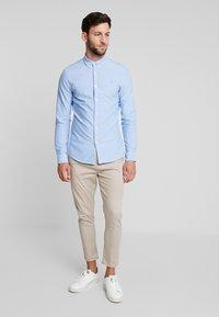 Farah - BREWER SLIM FIT - Shirt - mid blue - 1