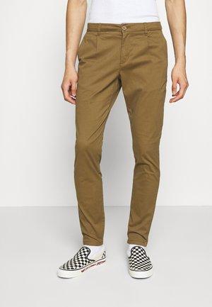 ONSCAM - Chino kalhoty - kangaroo