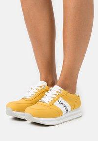 TOM TAILOR DENIM - Sneakers laag - yellow - 0