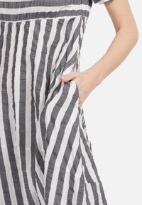 HELMIDGE - A-LINIEN-KLEID SOMMERKLEID - Day dress - grau - 4