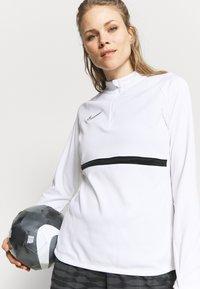 Nike Performance - ACADEMY 21 - Sweatshirt - white/black - 3