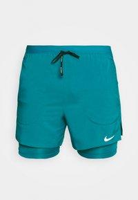 Nike Performance - Pantalón corto de deporte - blustery/blustery/silver - 3