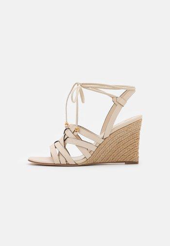 BASKETWEAVE WEDGE - High heeled sandals - new cream