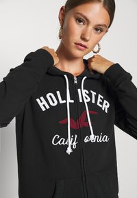 Hollister Co. - TERRY TECH CORE - Hettejakke - black - 4