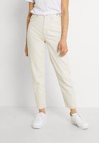 Tommy Jeans - MOM - Jeans fuselé - ecru - 0