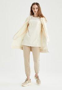 DeFacto - Zip-up hoodie - ecru - 3