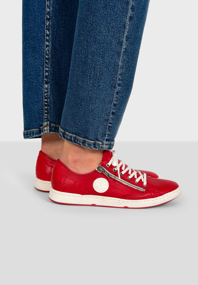 Pataugas - JESTER ZIP UP TRAINERS - Trainers - red