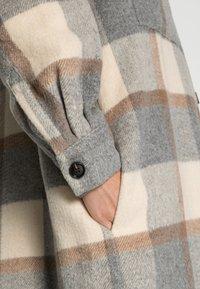 Stella Nova - EMMY JOE - Classic coat - grey/creme/brown - 4