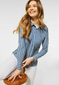 Cecil - MIT STREIFEN MUSTER - Button-down blouse - blau - 1
