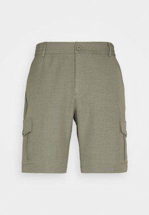 PINO CARGO - Shorts - lichen green