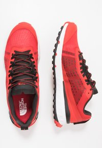 The North Face - M ULTRA SWIFT - Trail running shoes - fiery red/black - 1