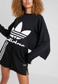 adidas Originals - CUT OUT  - Felpa - black - 5