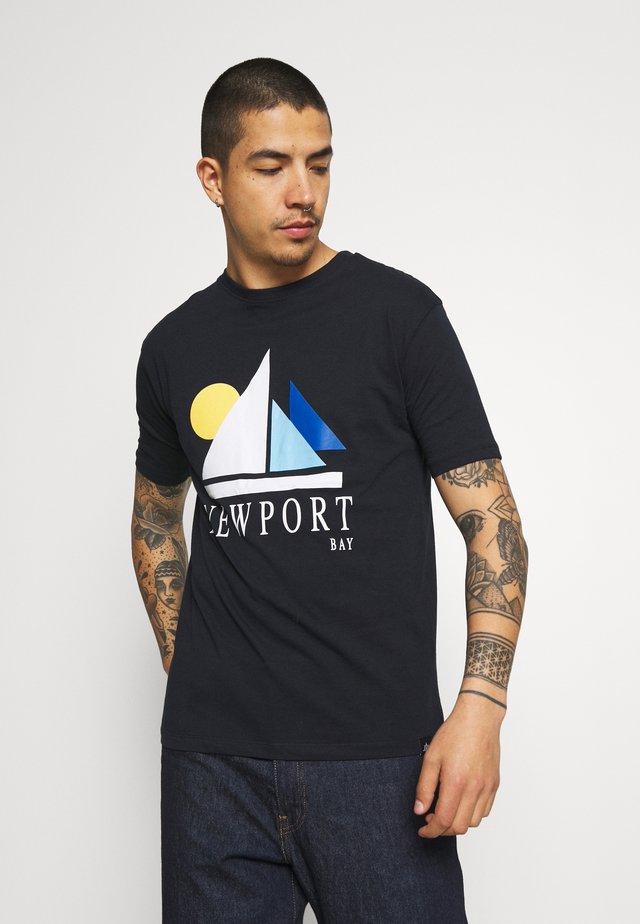 SAIL - T-shirt z nadrukiem - navy