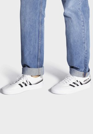 DELPALA SHOES - Sneakers basse - white