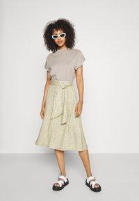 Monki - A-line skirt - beige - 1