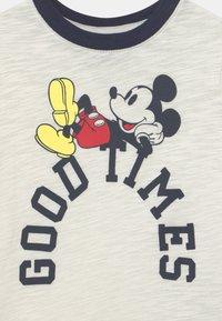 GAP - DISNEY MICKEY MOUSE BOY - T-shirt con stampa - carls stone - 2