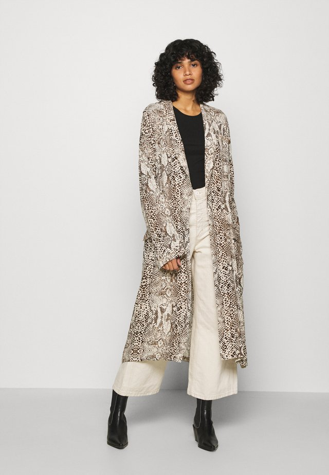 WILD NIGHTS DUSTER - Summer jacket - neutral combo