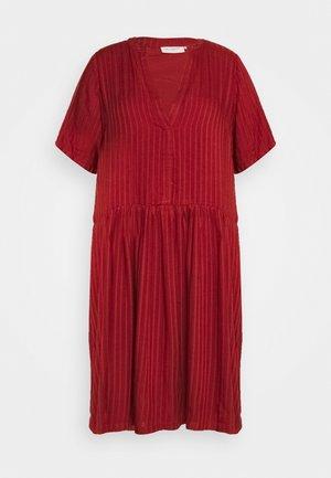 CARMALANI DRESS - Denní šaty - burnt henna