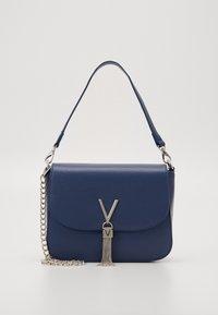 Valentino Bags - DIVINA  - Käsilaukku - blue - 0