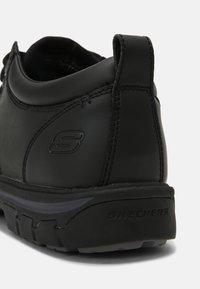 Skechers - SEGMENT RILAR - Casual lace-ups - black - 4