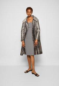 Alberta Ferretti - TRENCH COAT - Klasický kabát - grey - 4