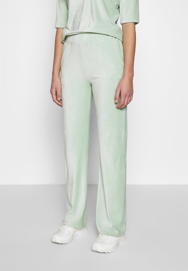 ARIELLE PANTS - Trousers - light yucca