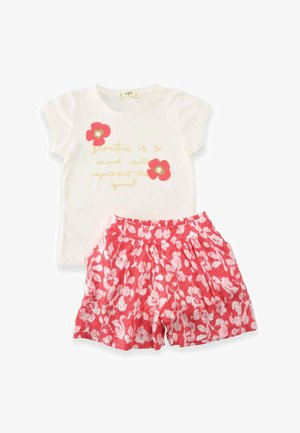 SET - Shorts - offwhite/red