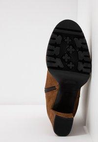 Maripé - High heeled ankle boots - cognac - 6