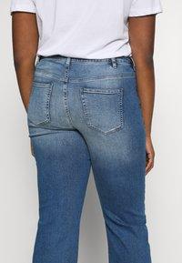 JUNAROSE - by VERO MODA - JRTENJUVA  - Jeans straight leg - medium blue denim - 5
