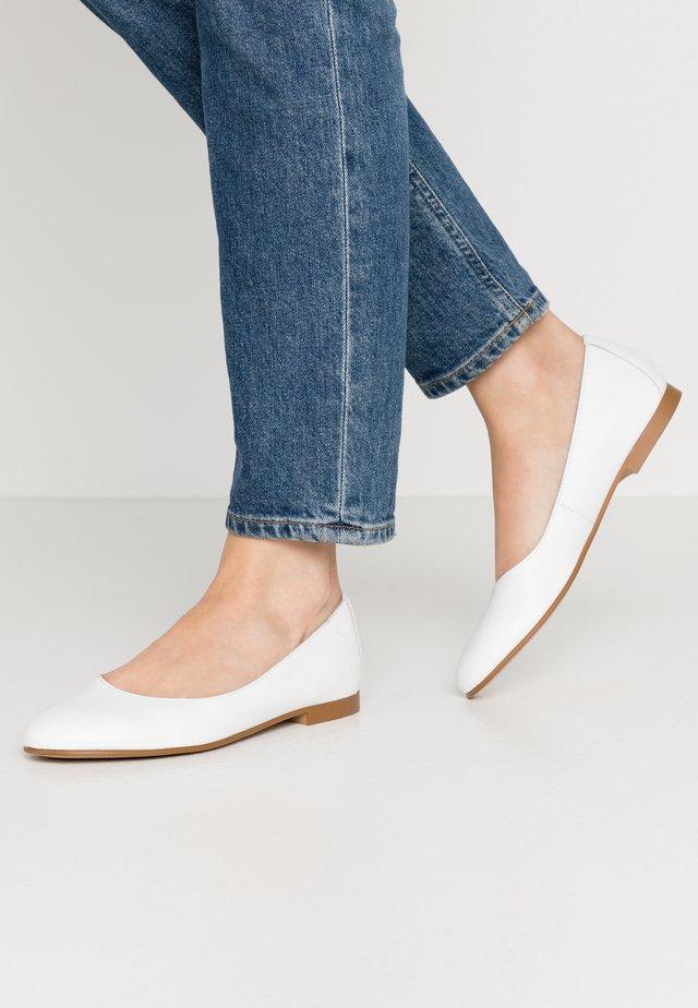 MOALA BASIC - Ballet pumps - white