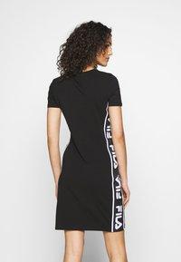 Fila - TANIEL TEE DRESS - Žerzejové šaty - black - 2