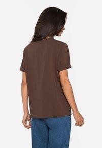 Lichi - Basic T-shirt - coffee - 2