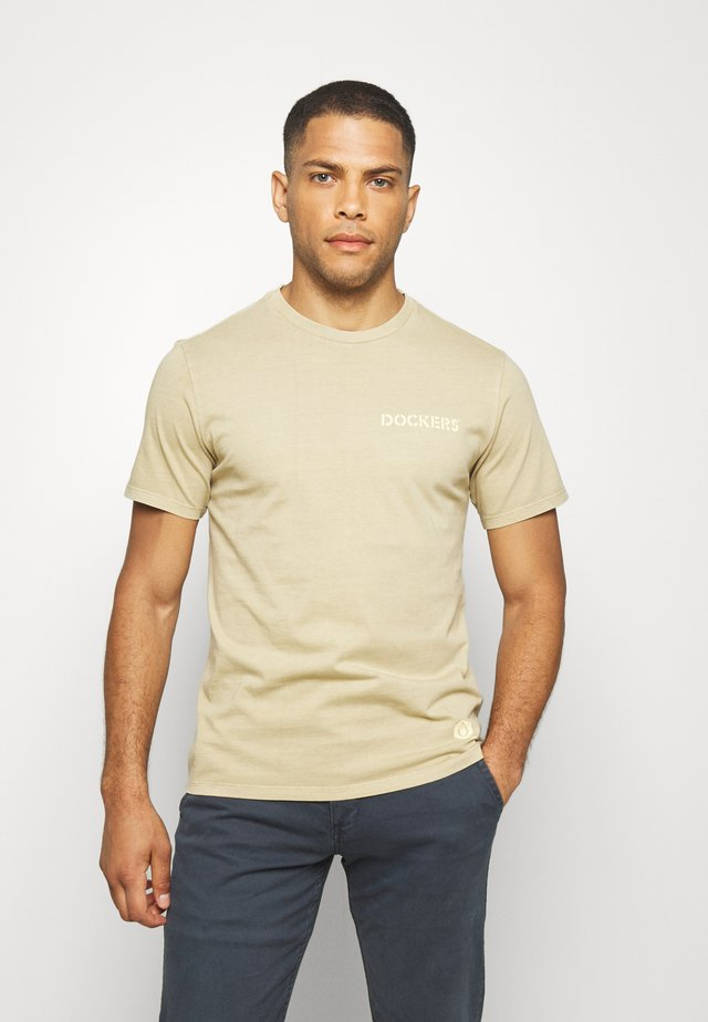 SUSTAINABLE TEE - Printtipaita - earth taupe