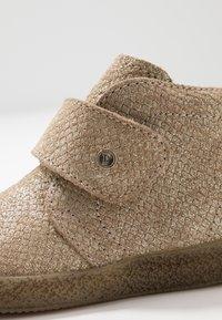 Falcotto - CONTE - Zapatos de bebé - gold - 2