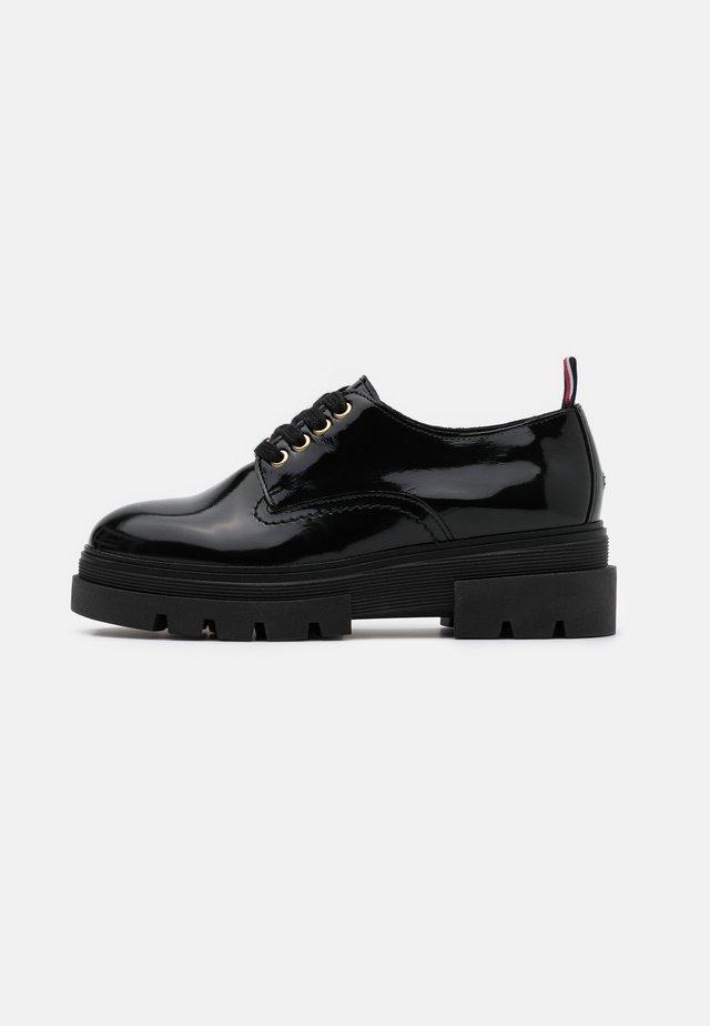 RUGGED CLASSIC SHOE - Zapatos de vestir - black