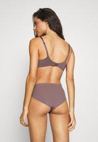 Calvin Klein Underwear - INFINITE FLEX PLUNGE - Podprsenka pod tričko - plum dust - 2