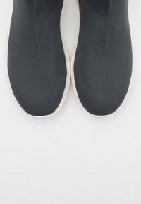 Bianco - BIACASE SOCK - Sneakersy wysokie - dark grey - 4