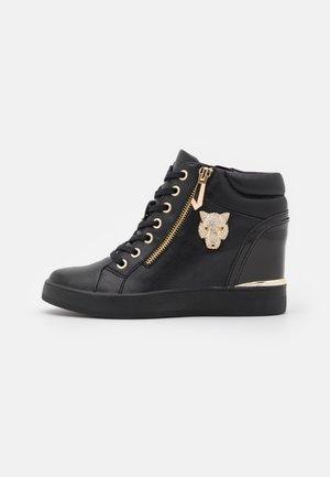 ALOIVU - Sneakers laag - black