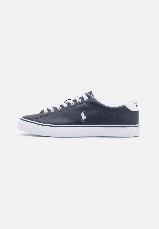 LONGWOOD UNISEX - Sneakersy niskie - hunter navy/white