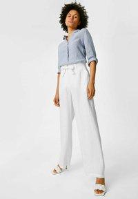 C&A - Spodnie materiałowe - white - 1
