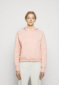 Holzweiler - HANG ON - Hoodie - washed pink - 0